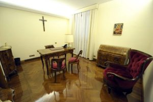 pope_apartment_jpg_size_xxlarge_promo